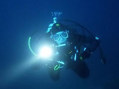 Подводный свет - фонари для дайвинга