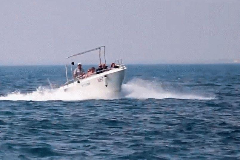 Морские прогулки с рыбалкой на катере Амиго в Анапе