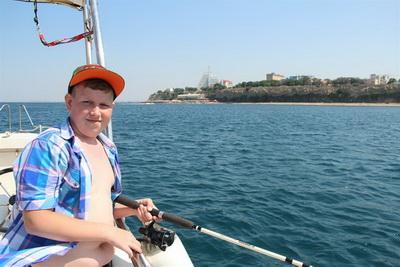 Морские прогулки на катере в Анапе
